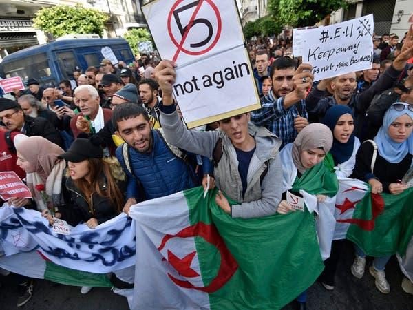 للأسبوع الـ40.. الطلاب يتظاهرون في الجزائر ضد الانتخابات