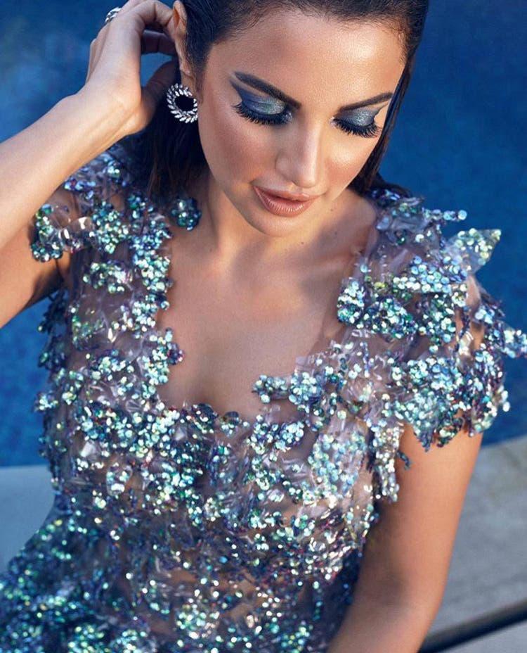 الفنانة درة بفستان مصنوع من البلاستيك المعاد تدويره