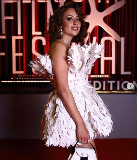 فستان الفنانة روزالين في مهرجان الجونة