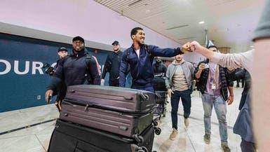 الملاكمان جوشوا ورويز يصلان السعودية استعداداً لنزالهما التاريخي