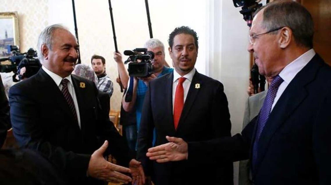 قائد الجيش الليبي خليفة حفتر ووزير الخارجية الروسي سيرغي لافروف