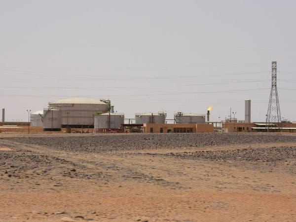 ليبيا.. مسلحون يوقفون إنتاج النفط بحقل الفيل