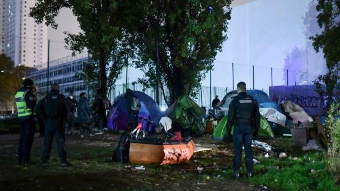 مخيم للمهاجرين في باريس