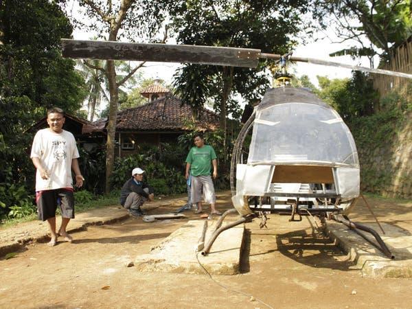بالصور.. إندونيسي يبني مروحية بنفسه ليتخلص من الزحمة
