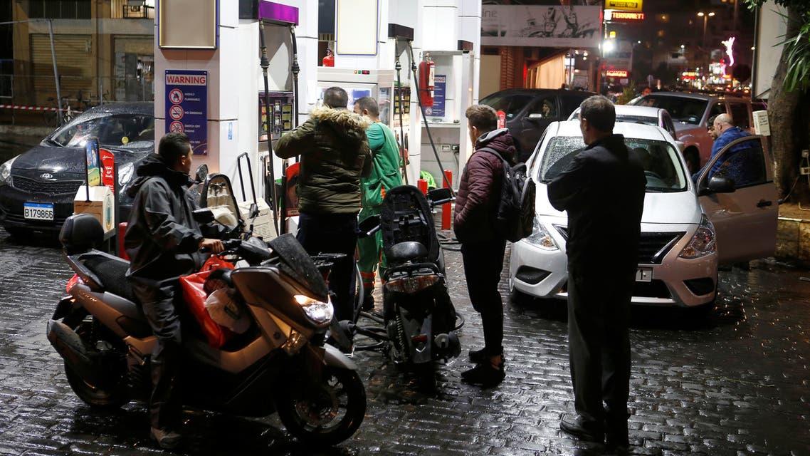 لبنان - قبيل بدء إضراب محطات الوقود