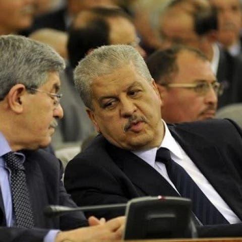 الجزائر.. حكم بالسجن 5 سنوات على أويحيى وعبد الملك السلال