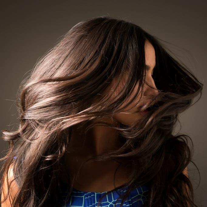 4 وصفات منزلية سهلة وفعالة تعيد إلى الشعر لمعانه