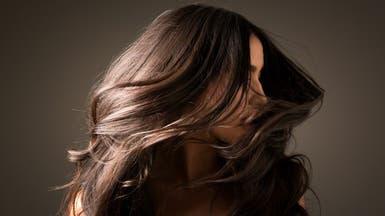 هل يعيش كورونا على الشعر ومستحضرات التجميل؟