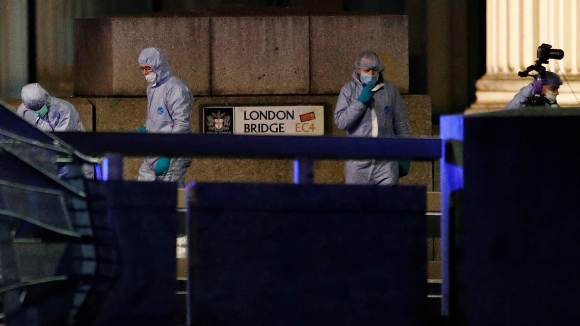 خبراء في الأدلة الجنائية في مسرح هجوم لندن الجمعة