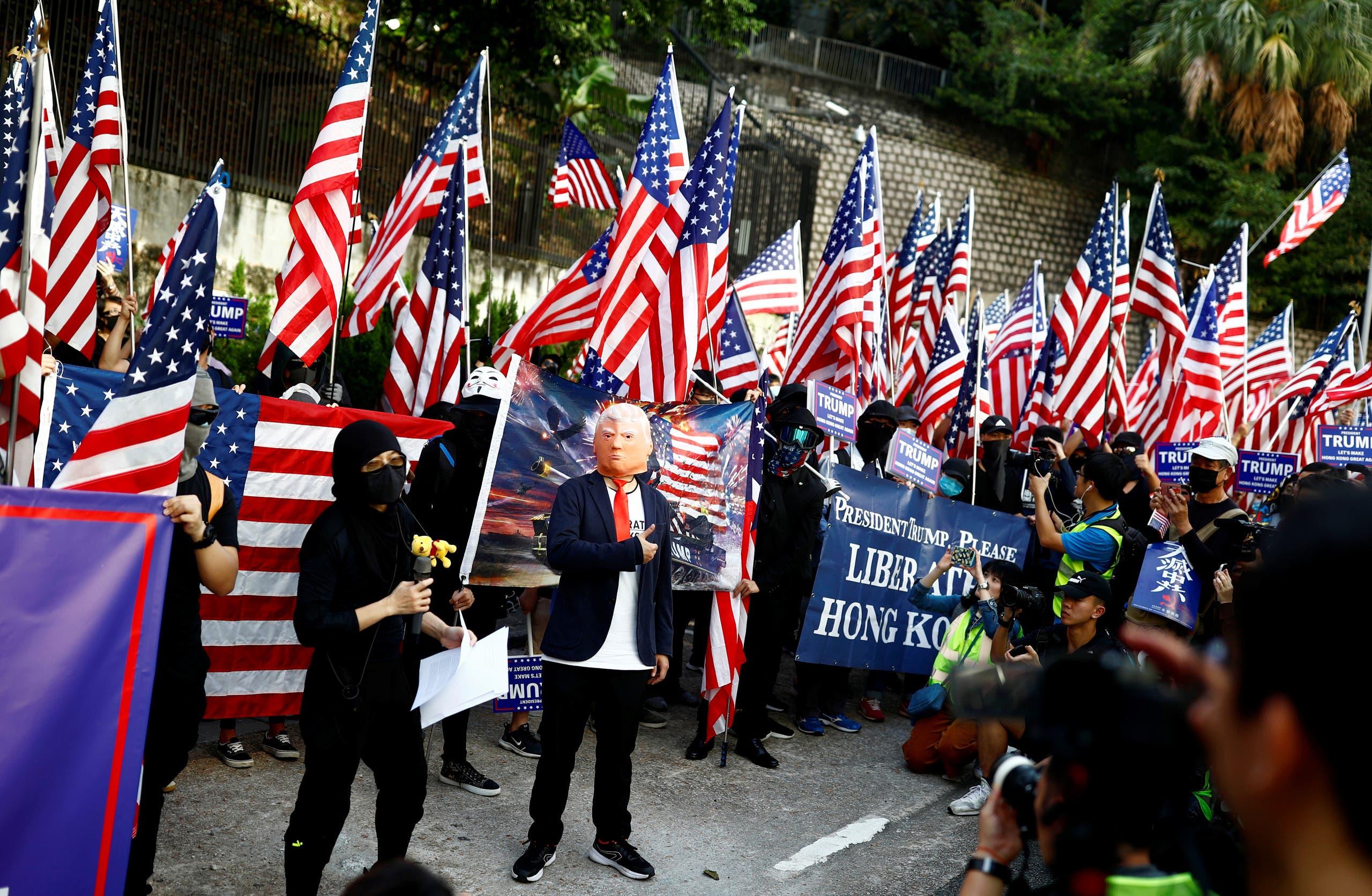هونغ كونغ - من مسيرة للقنصلية الأميركية لإظهار الامتنان للولايات المتحدة