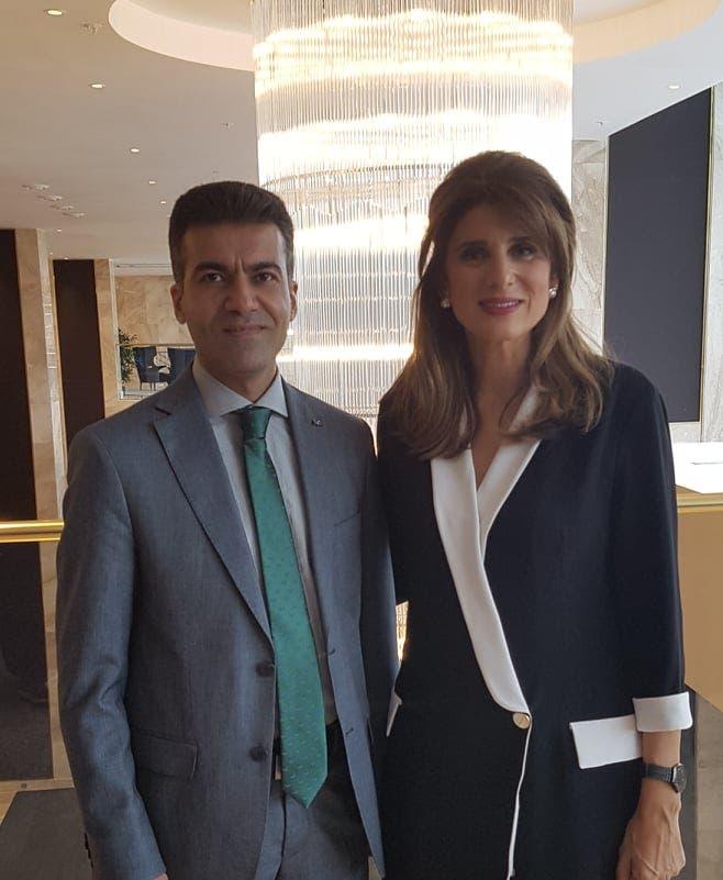 الأميرة دينا مع الزميل باسل الحاج جاسم