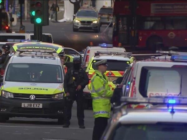 شاهد تصدى لإرهابي لندن.. حزام ناسف وسترة واقية!