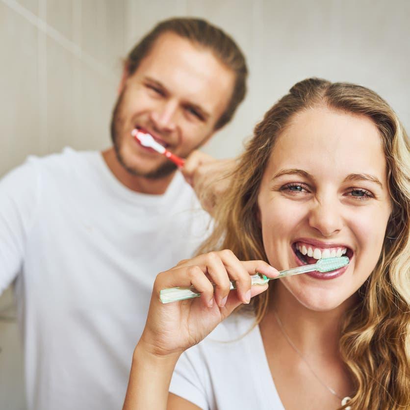 كي لا يعود.. نصائح لمتعافي كورونا بشأن الأسنان