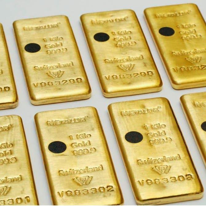 عقود الذهب الأميركية تغلق فوق 1645 دولاراً