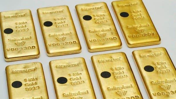 الذهب يهبط 0.8% مع استمرار التدافع نحو السيولة