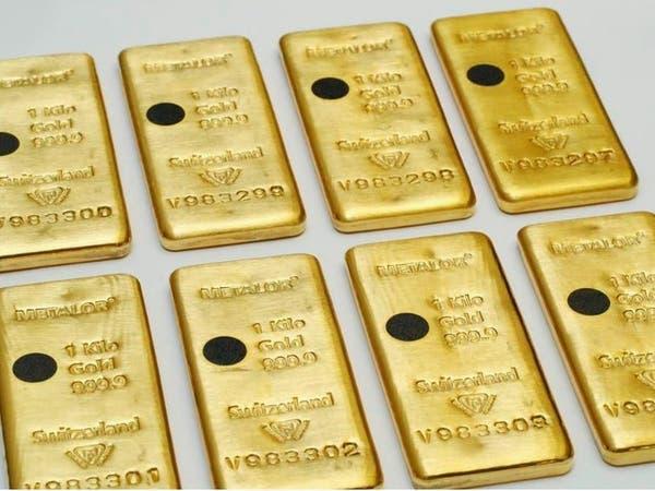 كورونا والفائدة الأميركية ترفعان أسعار الذهب 1%