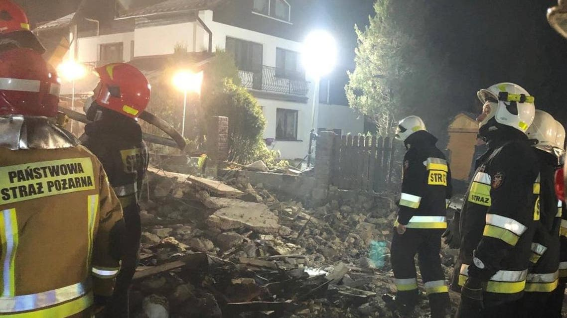 Firefighters work at the site of a building, levelled by a gas explosion, in the ski resort town of Szczyrk, Poland December 5, 2019 (Photo: Radio Bielsko via Reuters)