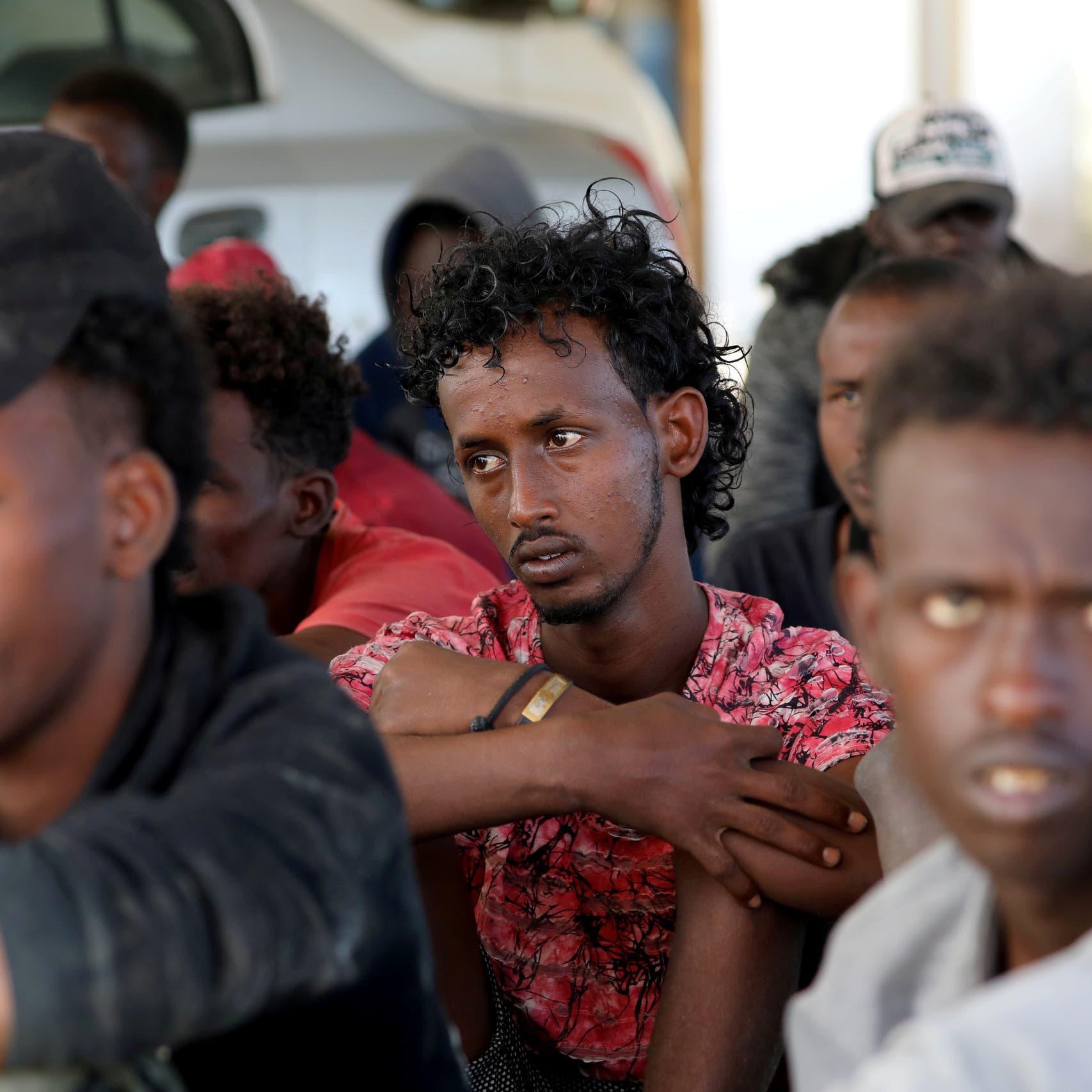 مسؤول أممي: مهاجرون في ليبيا يباعون ويؤجرون