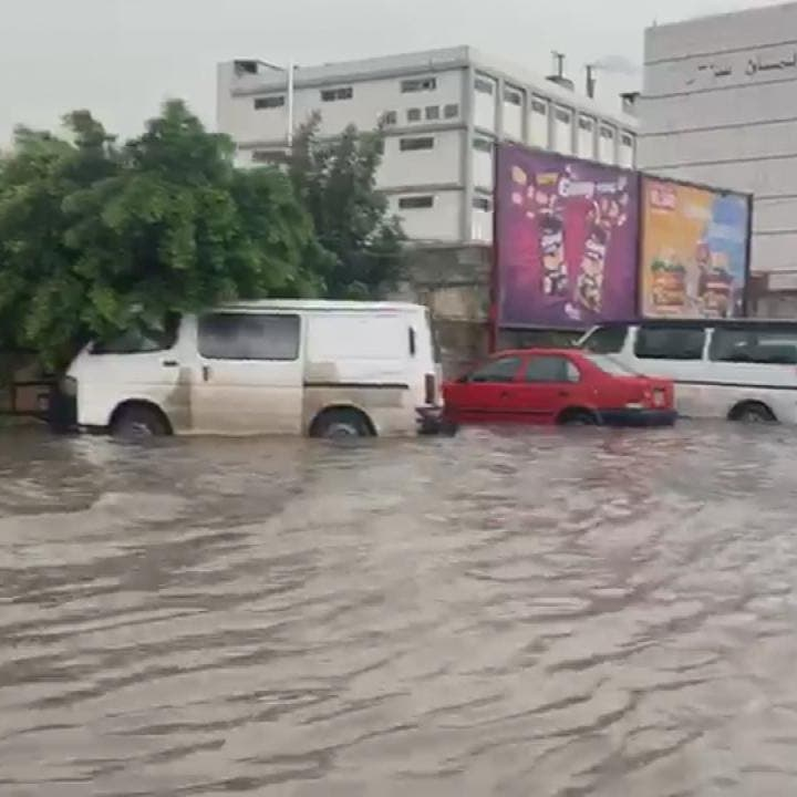 سيناريو يتكرر.. شاهد السيول تغرق طرقات لبنان!