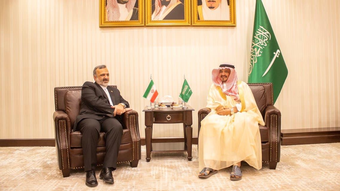 وزير الحج السعودي ومسؤول إيراني