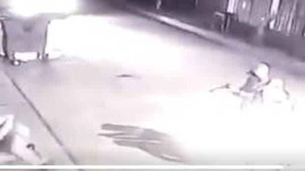فيديو لعملية اغتيال الناشط العراقي فاهم الطائي بكربلاء