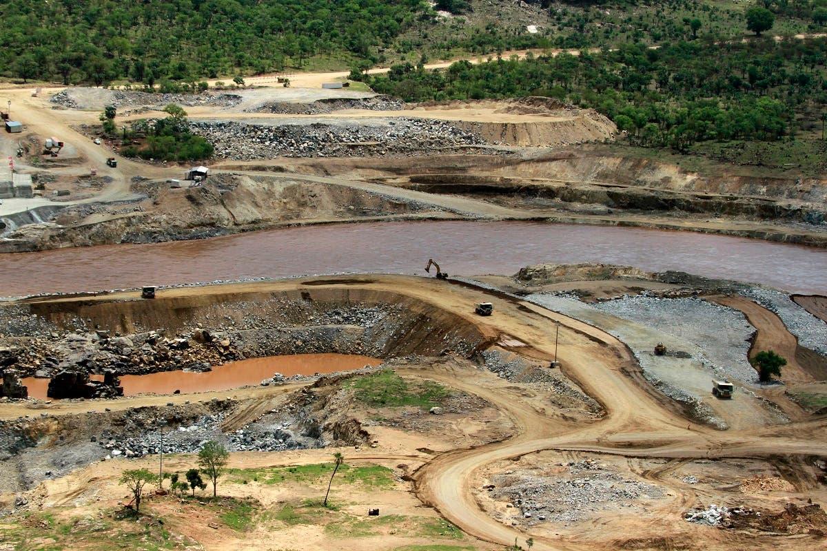 النيل الأزرق يمر قرب موقع بناء سد النهضة