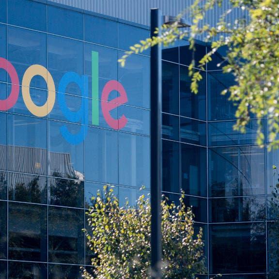 غوغل تحظر موقعين محافظين.. وكروز: حرية التعبير في خطر
