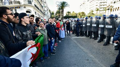 الحراك الجزائري أمام اختبار.. هل يقبل بالحوار مع تبّون؟