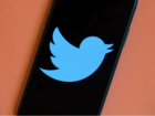 أرقام هواتف وحسابات مزيفة.. تويتر تصلح ثغرة بتطبيقها