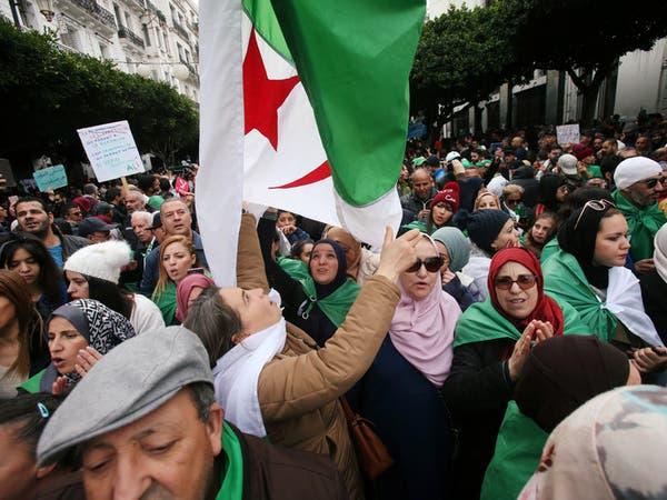 بعد أداء تبون اليمين.. حراك الجزائر يطالب بحرية المعتقلين والصحافة