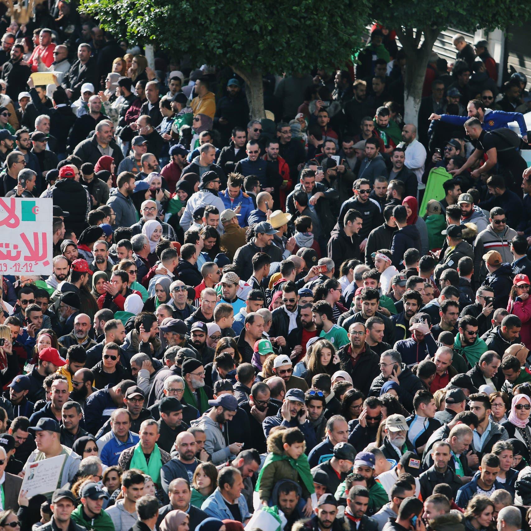 رفضاً للرئيس الجديد.. تظاهرات حاشدة في الجزائر