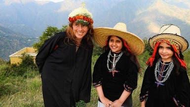 شاهد فرنسية تعيش تجربة المرأة الجنوبية فوق جبال جازان