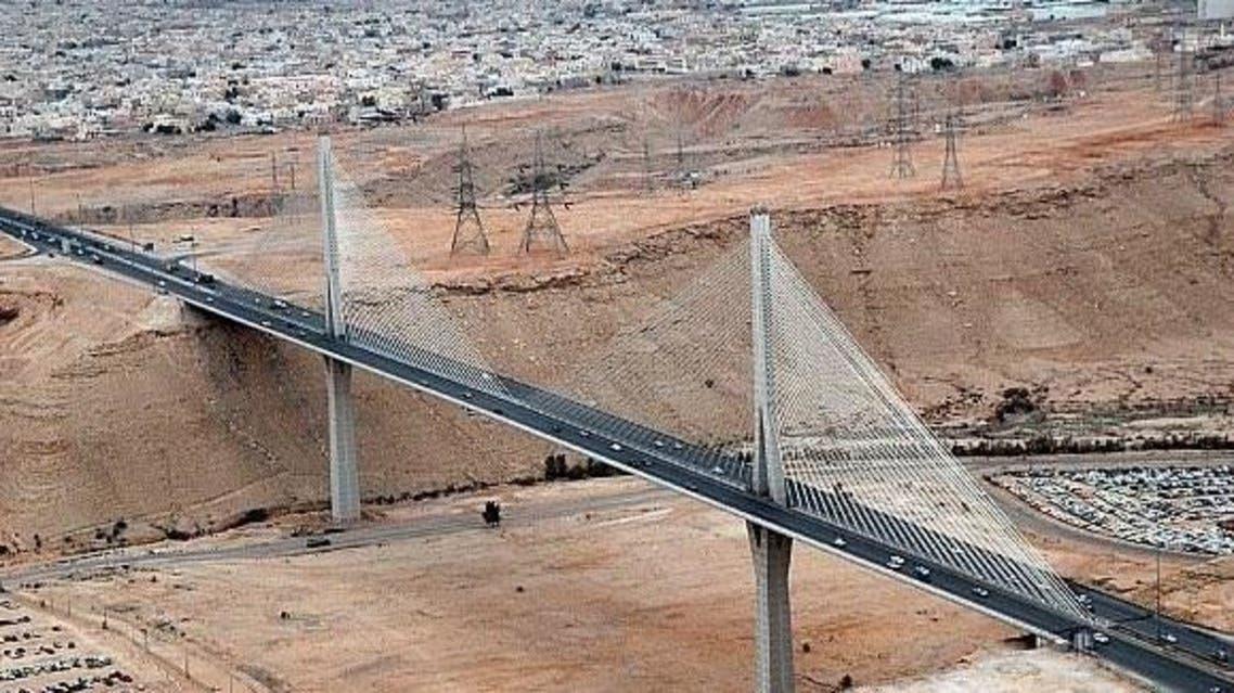 الجسر المعلق في الرياض