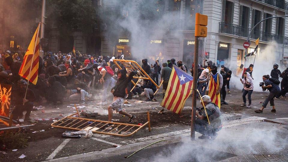 """25 ألفاً يستعدون للتظاهر في برشلونة قبل انطلاق """"الكلاسيكو"""" D30d2143-0f00-4b78-be9c-8ca8013180a7_16x9_1200x676"""