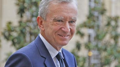 الملياردير الفرنسي أرنو يشتري حصة في لاغاردير القابضة