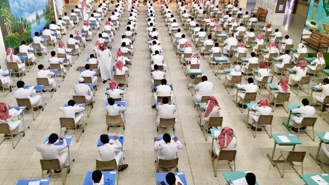 من قاعات الاختبارات