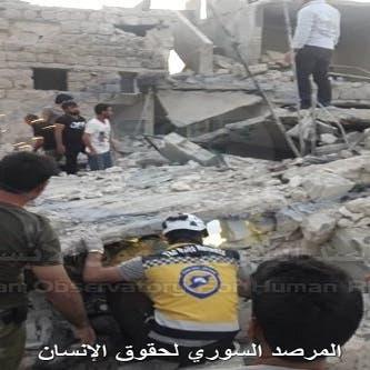 سوريا.. مقتل 12 وإصابة العشرات بقصف جوي للنظام بإدلب