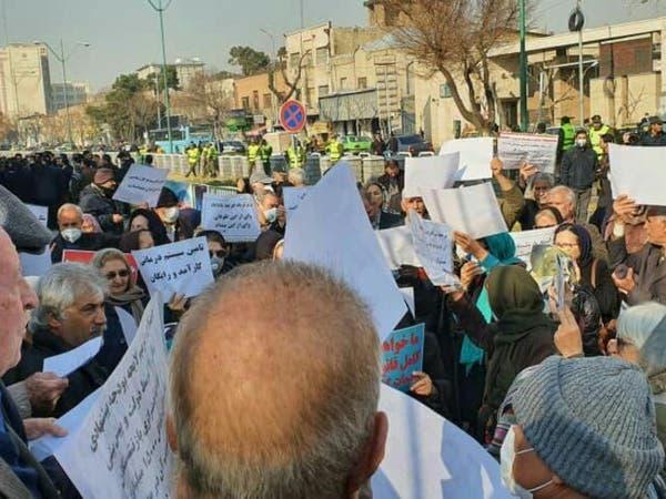 احتجاجات وإضراب عام للمعلمين في أنحاء إيران