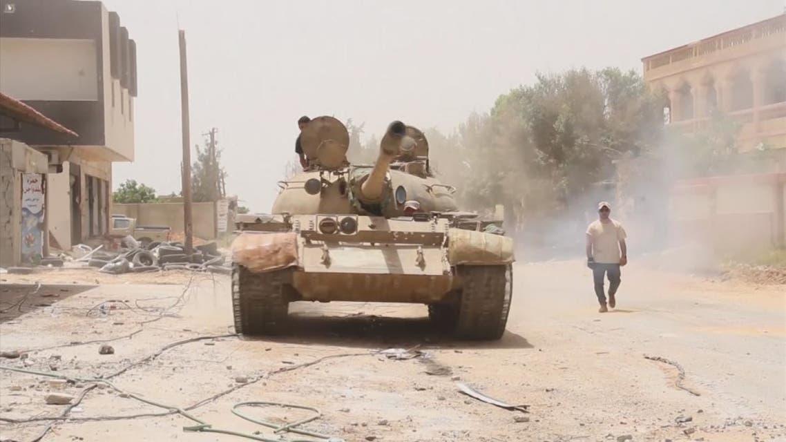 الجيش الليبي يحشد قواته على تخوم سرت والوفاق تستنفر ميليشياتها لمعركة فاصلة