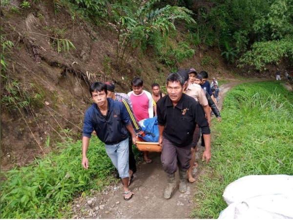 مقتل 26 على الأقل إثر سقوط حافلة من فوق تلة في إندونيسيا