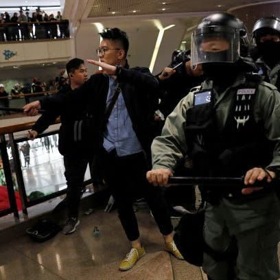 نشطاء هونغ كونغ يواصلون الاحتجاجات في عيد الميلاد