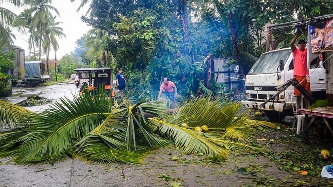 من إعصار الفلبين