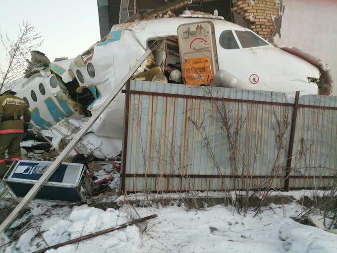 من موقع تحطم الطائرة في كازاخستان