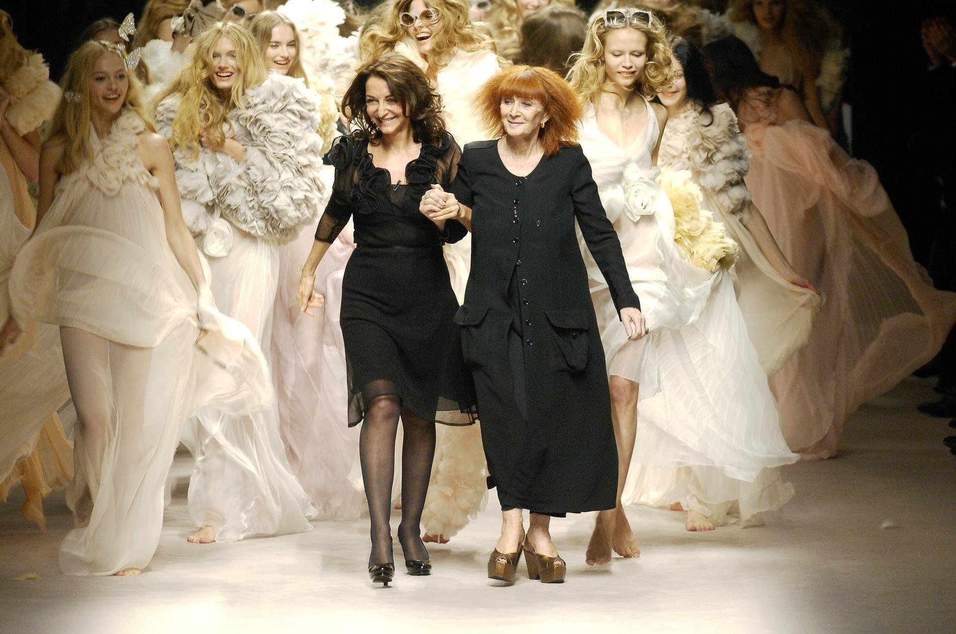 المصممة صونيا ريكيال برفقة ابنتها نتالي