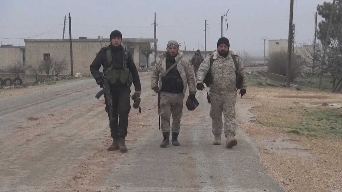 قوات النظام تدمر مواقع للمعارضة في ريف إدلب الجنوبي