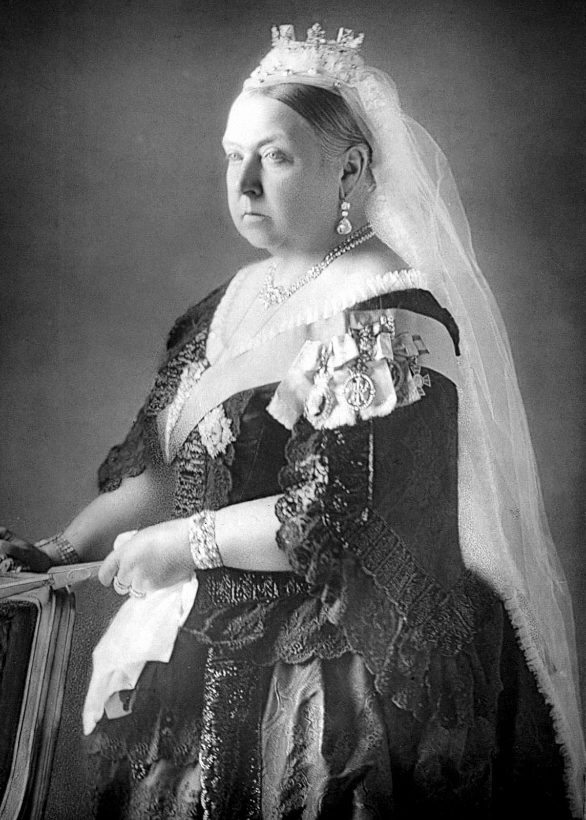 صورة فوتوغرافية للمكلة فكتوريا