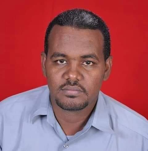 سوڈانی انٹیلی جنس اہلکاروں کے بہیمانہ تشدد سے جان کی بازی ہارنے والا استاد احمد الخیر۔ فائل تصویر