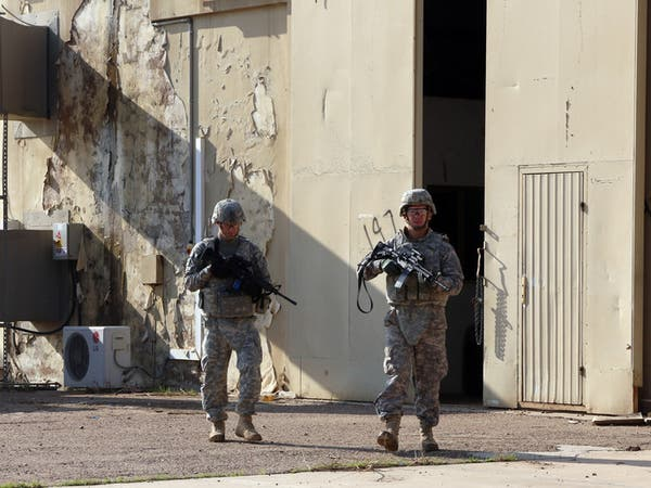جرح 4 عراقيين في قصف على قاعدة تضم جنوداً أميركيين