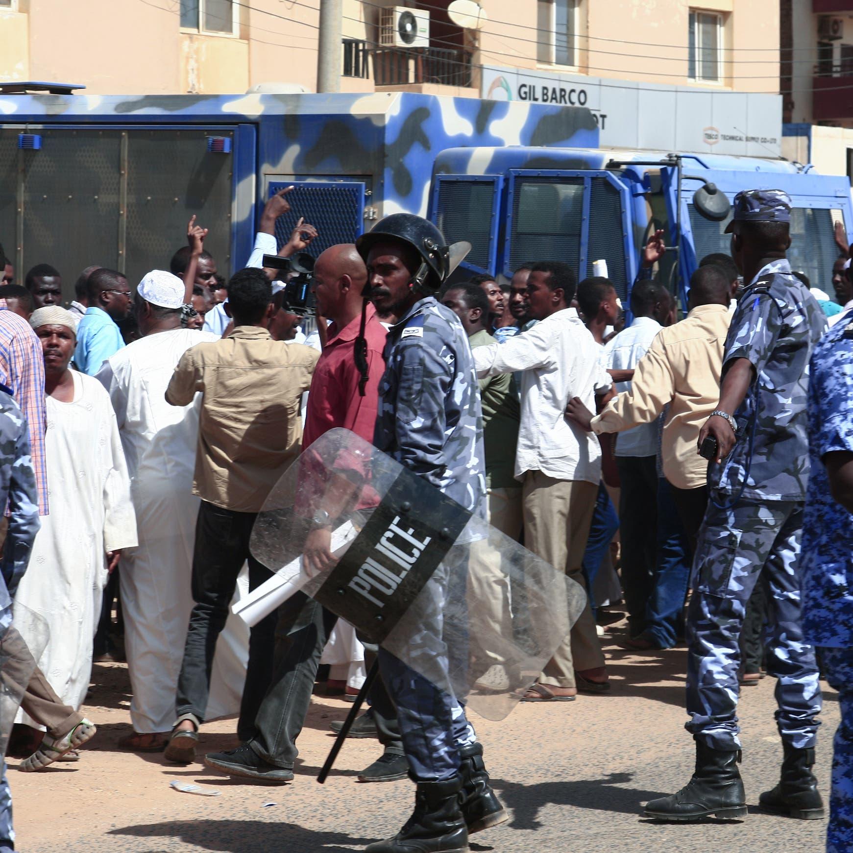 دارفور.. جثث بالعشرات وحرق منازل وآلاف النازحين