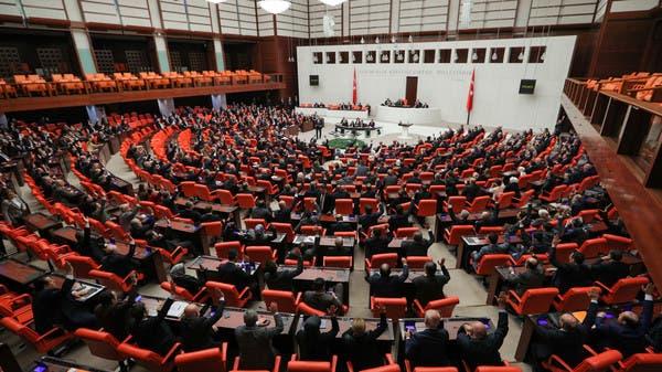مصادر: ضباط أتراك وصلوا ليبيا قبل تصويت برلمان أنقرة